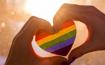 Maneo Kiss Kiss Berlin – Regenbogenkuchen