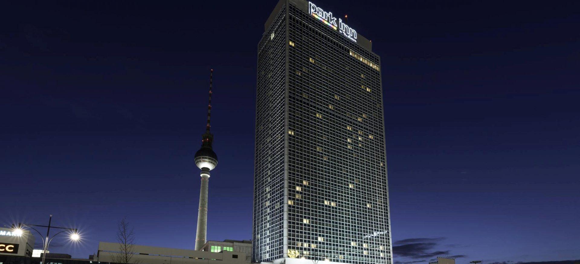 Park Inn by Radisson Berlin Alexanderplatz Außenansicht / Exterior view